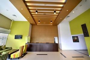 Whiz Prime Megamas Manado - Lobby