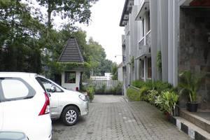 Hotel Caryota Bandung - Car Park
