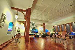 Alron Hotel Kuta - Lounge