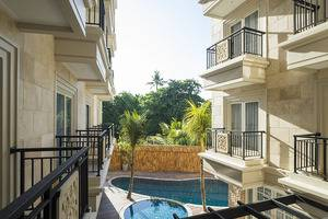 Alron Hotel Kuta - kolam renang