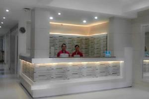 Gania Hotel Bandung - receptionis