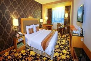 Grand Rocky Hotel Bukittinggi - Kamar Deluxe