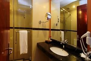 Grand Rocky Hotel Bukittinggi - Kamar mandi