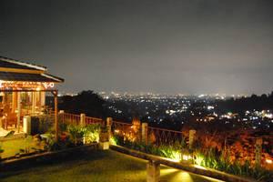 Wisma Joglo Hotel Bandung - Panorama Malam