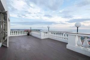 Colonial Hotel Makassar - Exterior