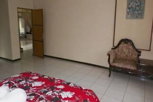 Bumi Hegar Guest House Syariah Bandung - Kamar tamu