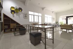 RedDoorz @Gegerkalong Tengah Bandung - Interior