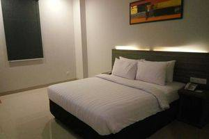 Urban Style by Front One Pringsewu - DOUBLE BEDROOM