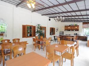Airy Jogonalan Dukuh Karang Klaten - Restaurant