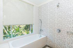 ZenRooms Pengosekan 4 Ubud - Kamar mandi