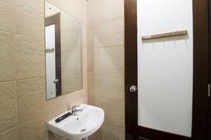 RedDoorz @Tebet Barat Jakarta - Kamar mandi