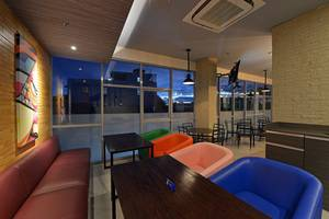 POP! Hotel Banjarmasin - PITSTOP Cafe Lounge