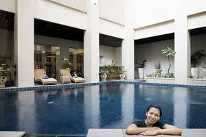 Cavinton Hotel Yogyakarta - KOLAM RENANG
