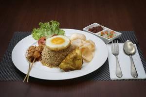 Cavinton Hotel Yogyakarta - MAKANAN