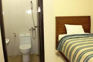 Makassar Guest House Makassar - Room
