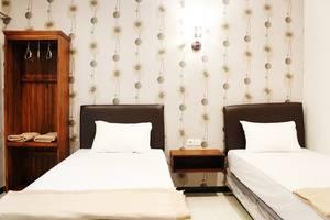 House of Dharmawan Surabaya - DELUXE ROOM