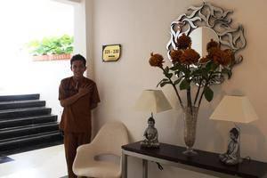 Ramayana Hotel Makassar - Service
