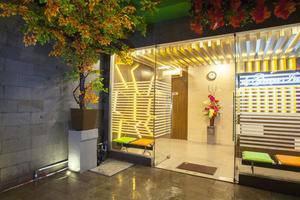 De Green Inn Jakarta - Pintu Masuk