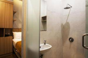 De Green Inn Jakarta - Kamar mandi