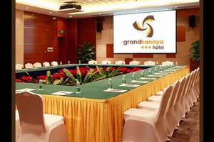 Grand Kanaya Hotel Medan - Meeting Room