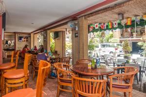 ZenRooms Legian Poppies One Bali - Restoran