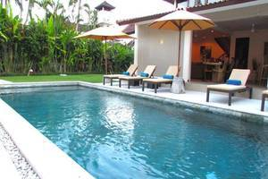 Aisha Family Villas Bali - Kolam Renang