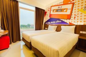 Front One Hotel Purwodadi Grobogan - Superior tempat tidur twin