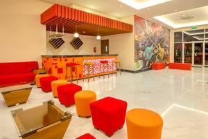 Front One Hotel Purwodadi Grobogan - lounge lobi