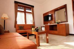 Karang Sentra Hotel Bandung - Grand Cottage