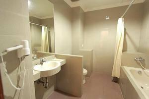 Horison Karang Setra Resorts Bandung - Deluxe Bathroom