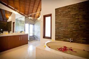 Villa Origami by Nagisa Bali Bali - Kamar mandi