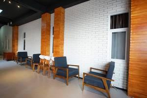 Hotel Faustine by Conary Semarang - cosmo resto