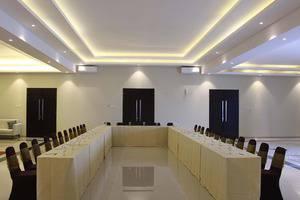 Hotel Faustine by Conary Semarang - Meeting room