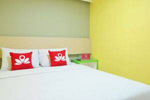 ZenRooms Gubernur Suryo Surabaya - Tempat Tidur Double