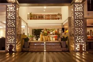 Sun Island Hotel Kuta - Lobby Entrance
