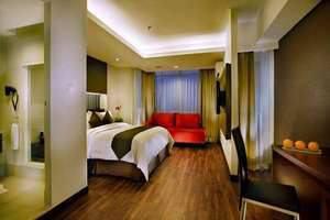 Aston Pluit - Deluxe Queen