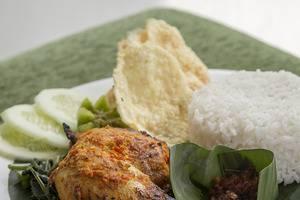 Odua Bekasi Hotel Bekasi - Ayam Bakar