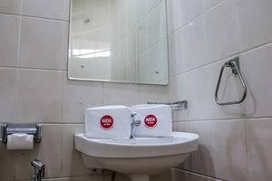 NIDA Rooms Kemang Selatan 125 Mampang - Kamar mandi