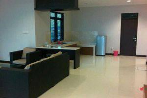 Surya Kencana Seaside Hotel Pangandaran - Living Room & Pantry FS