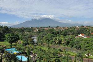 Hotel Braja Mustika Bogor - Mountain View