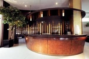 Takashimaya Hotel & Convention Bandung - Resepsionis