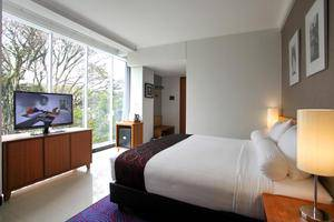 Ivory By Ayola Hotel Bandung - Deluxe King City View