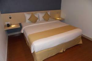 Hotel 88 Embong Malang - Superior