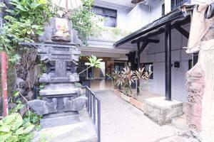 RedDoorz @Poppies Lane 1 Bali - Eksterior