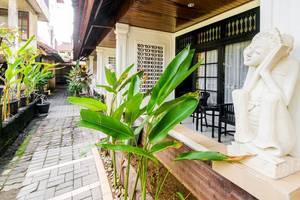 RedDoorz @Poppies Lane 1 Bali - Exterior