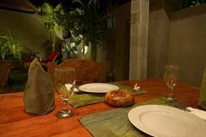 Asri Sari Villa Ubud - Meja Makan