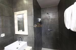 Villa Wena Seminyak Bali - Bathroom