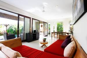 Villa Wena Seminyak Bali - Living Room
