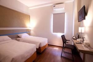 Sparks Lite Hotel Manado - Kamar tamu