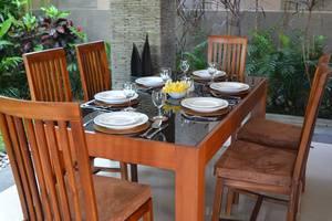 Lea Villa  Bali - Ruang makan